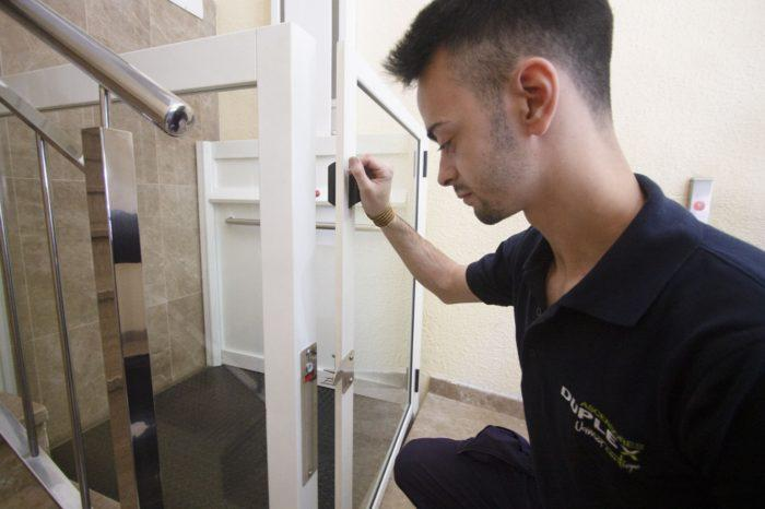 Técnico mantenimiento ascensores zaragoza